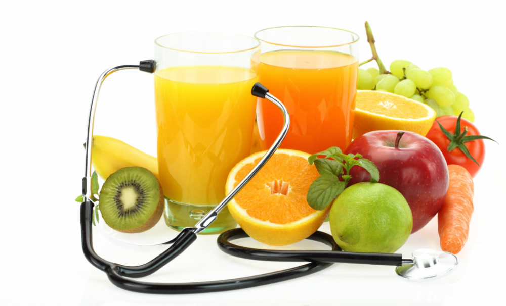 photodune-3132682-healthy-eating-fruits-vegetables-juice-and-stethoscope-m-1024x621