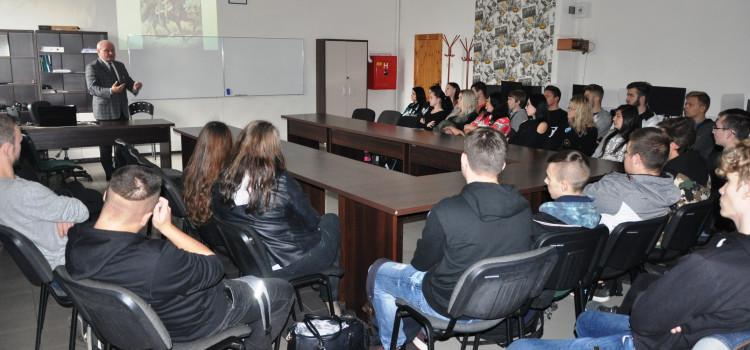 Wykład historyczny w 'Tołstoju'