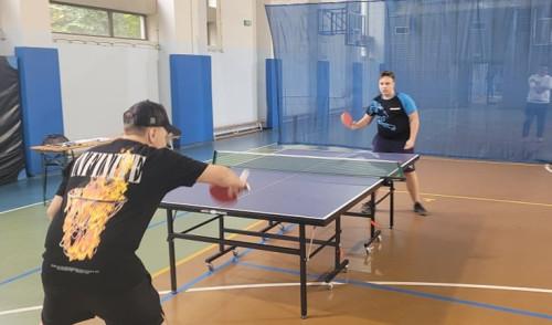 W dniu 18.10.2021r. w sali gimnastycznej SP 4 odbył się szkolny turniej tenis stołowego