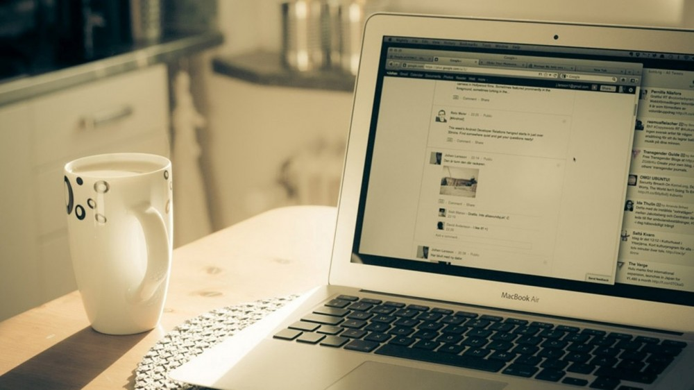 macbook-air-apple-morning-milk-cup-creative-product-768x1366