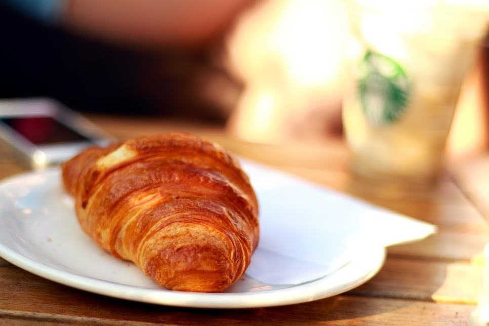 breakfast-croissant-morning-3570